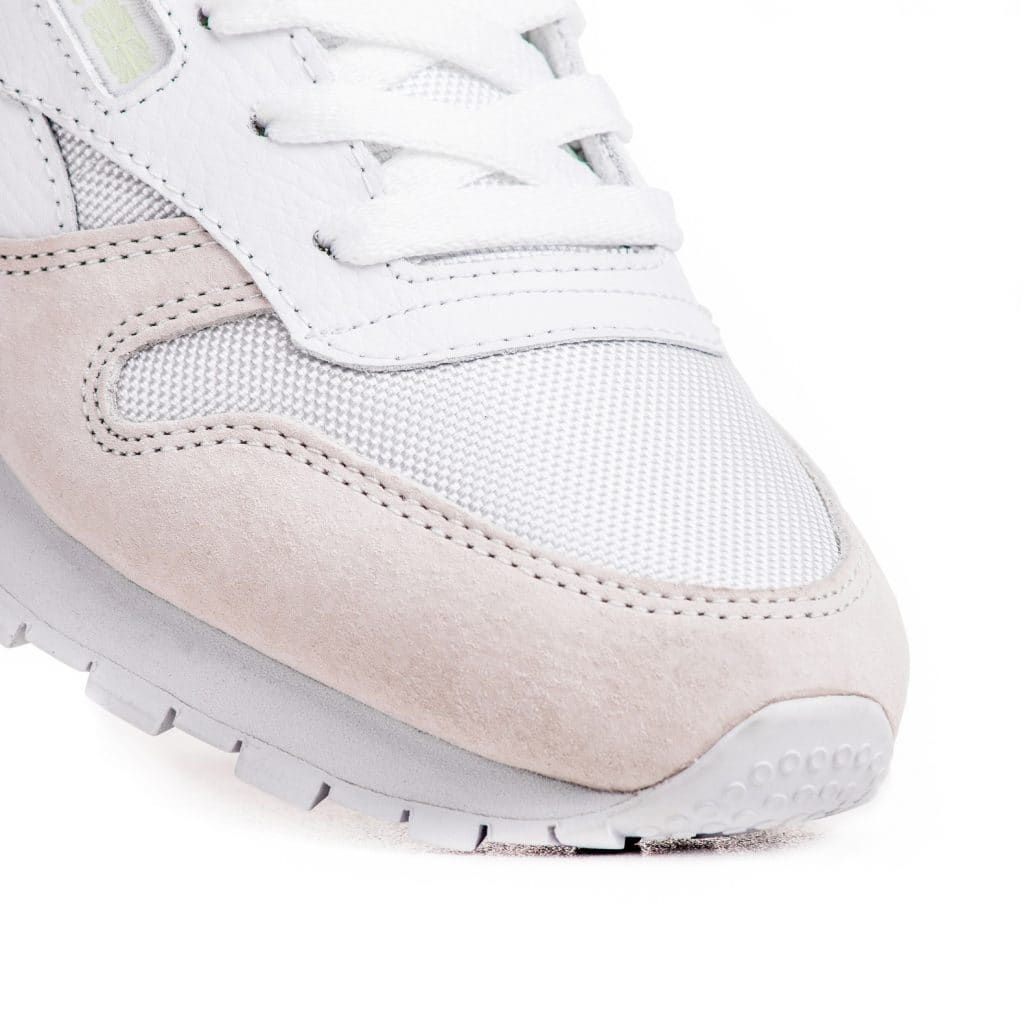 reebok-classic-leather-gid-white-aq9692-wmns