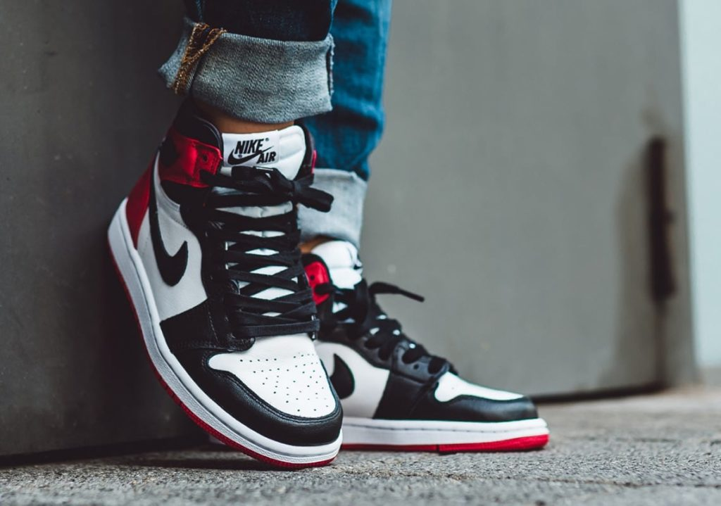 jordan-1-satin-black-toe-store-list-2