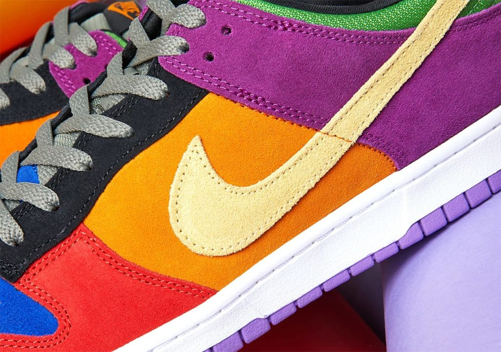 Nike-Dunk-Low-Viotech-CT5050-500-5