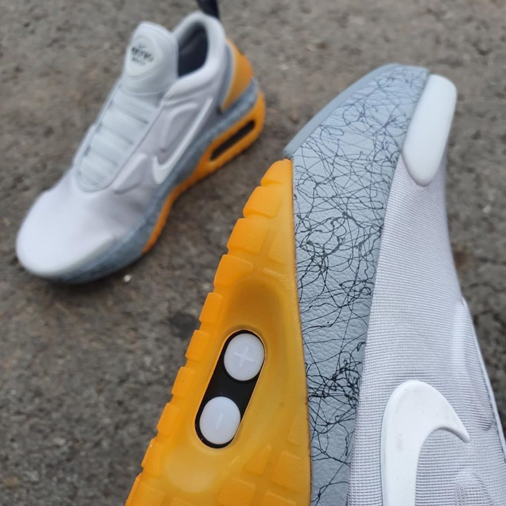 Nike-Adapt-LE-01-Grey-Yellow-CW7304-001-3